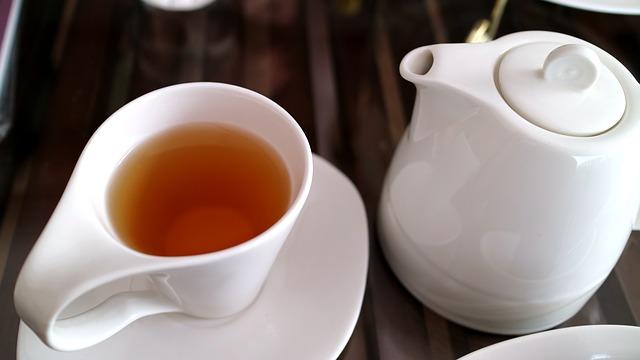 Jak poprawnie parzyć czarną herbatę?